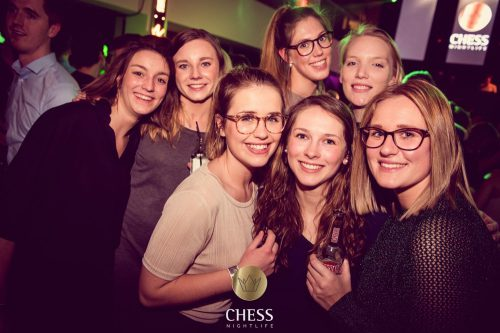 chess-nightlife-02-500x333